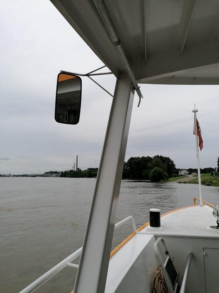 MIt der Fähre über den Rhein
